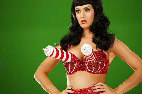 Katy-Perry-whipped-cream-bra